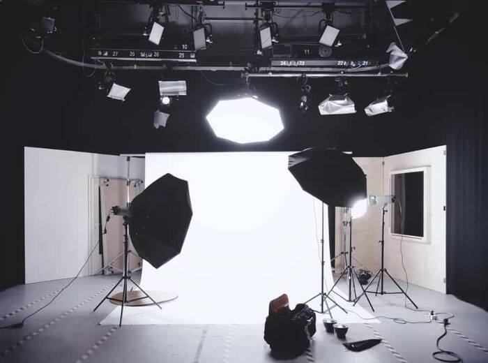 Learning All the Basics of Studio Lighting in Photography