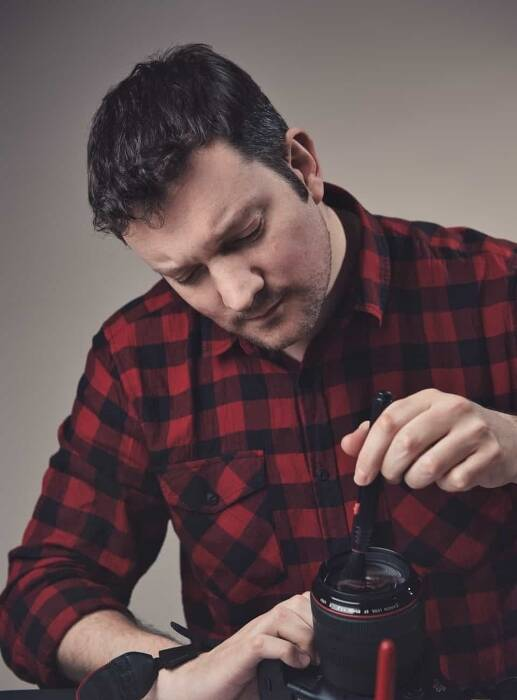 How To Clean A Camera Lens Safely and Correctly