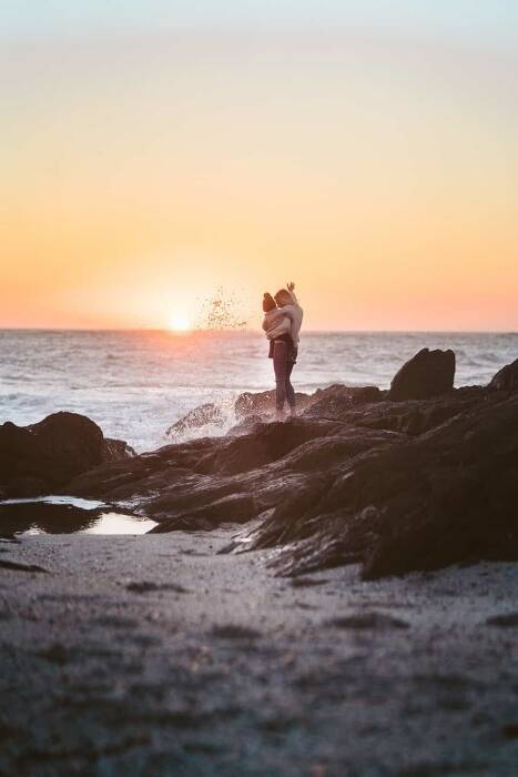 Fun Family Beach Picture Ideas for Every Photographer